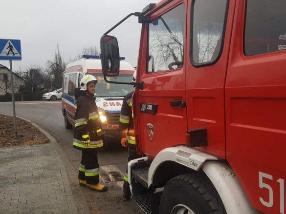 Dwa pojazdy zderzyły się na DW933 w Brzeszczach. Poszkodowane zostało dziecko – ZDJĘCIA!
