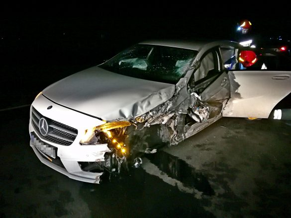 Wypadek drogowy w Trzebieńczycach. Jedna osoba była uwięziona – FILM, ZDJĘCIA!