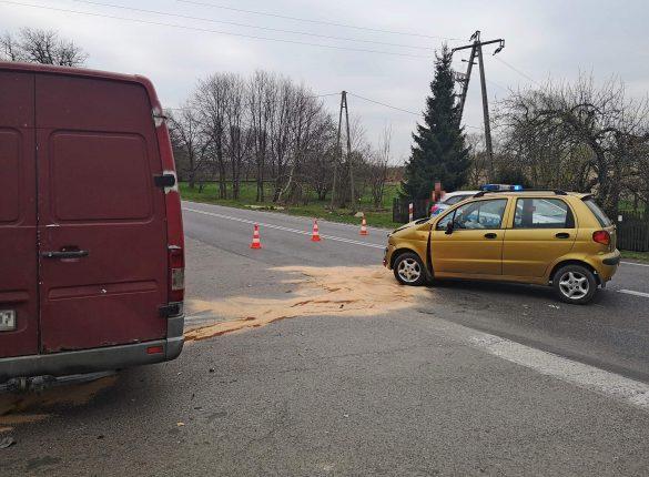 Wypadek w Brzeszczach. Trzy osoby w tym dwoje dzieci zostały poszkodowane – ZDJĘCIA!