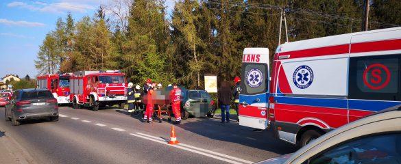 Dwa zdarzenia z udziałem sześciu pojazdów na DW933 w Rajsku – ZDJĘCIA!