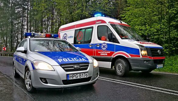 AKTUALIZACJA: Dwa zdarzenia na DK44. Dachowanie samochodu oraz zderzenie ciężarówki z osobówką – FILM, ZDJĘCIA!