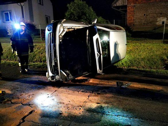 Dachowanie samochodu w Polance Wielkiej – ZDJĘCIA!