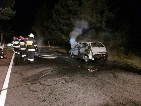 Pożar samochodu w Chełmku. Zablokowana ulica Jaworznicka – ZDJĘCIA!