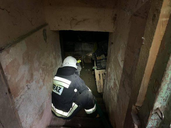 Stan alarmowy na rzecze Wiśle w Jawiszowicach. Kilka interwencji strażaków – ZDJĘCIA!