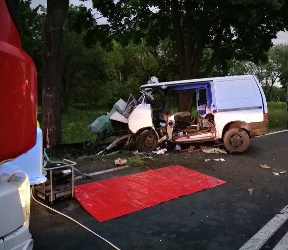 Poważny wypadek na DK44 w Zatorze. Trwa ewakuacja zakleszczonej osoby – ZDJĘCIA!