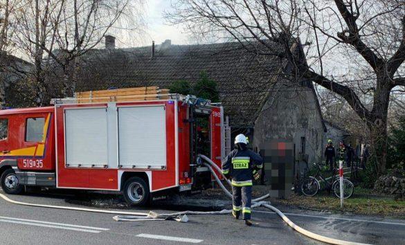 Pożar budynku w Kętach. Na miejscu ląduje śmigłowiec LPR – ZDJĘCIA!