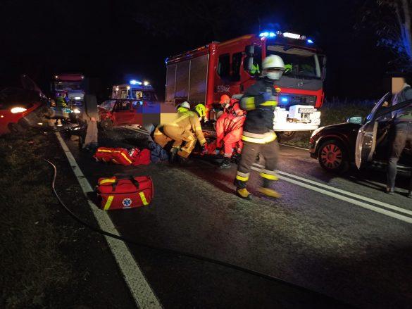 Poważny wypadek w Przeciszowie. DK44 zablokowana. Na miejscu ląduje śmigłowiec LPR